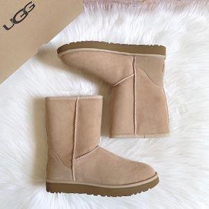 UGG Sand Classic Short II Boots